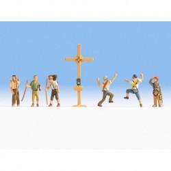 NOCH 36874 - Bergwanderer mit Gipfelkreuz