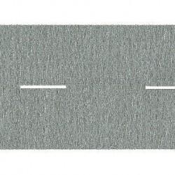 NOCH 44100 - Landstraße, grau, 100 x 2,5 cm (mit unterbrochener Mittellinie)