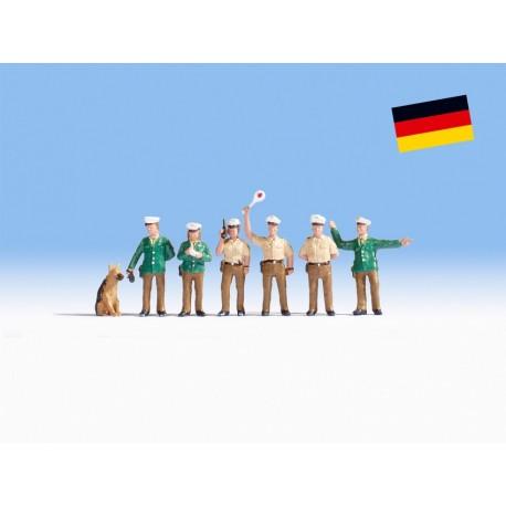 NOCH 36090 - Polizisten Deutschland