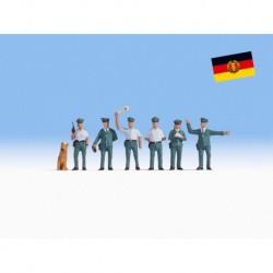 NOCH 15076 - Volkspolizisten DDR