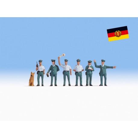 NOCH 45076 - Volkspolizisten DDR
